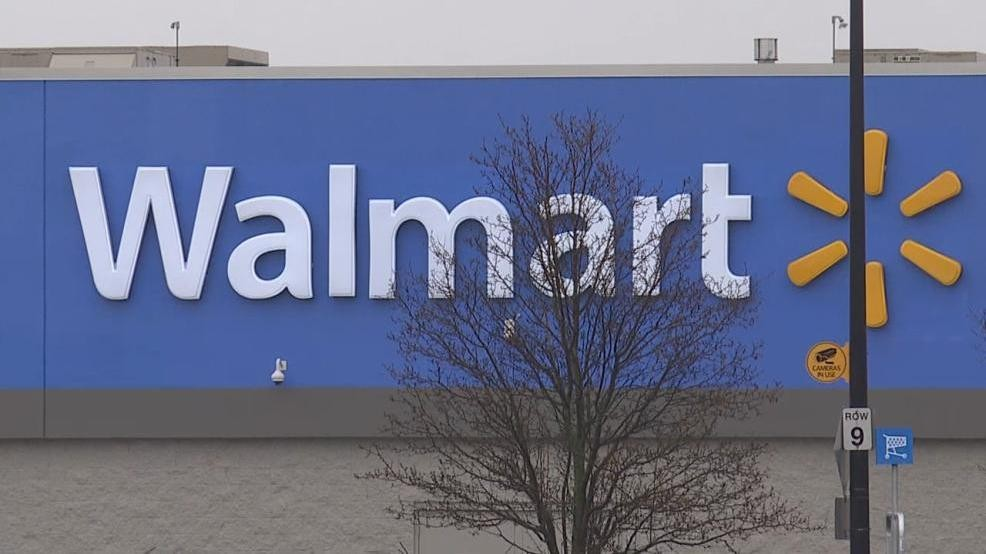 Caught In The Act Police Search For Man Who Punched Elderly Victim Inside Wal Mart Katu