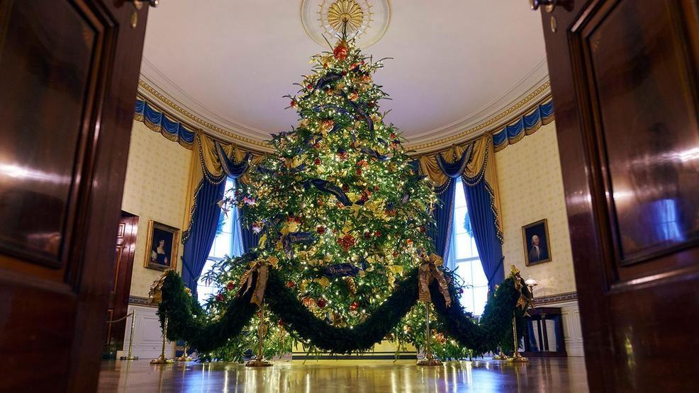 Melania Christmas Decorations.Melania Trump Unveils White House Christmas Decorations Katu