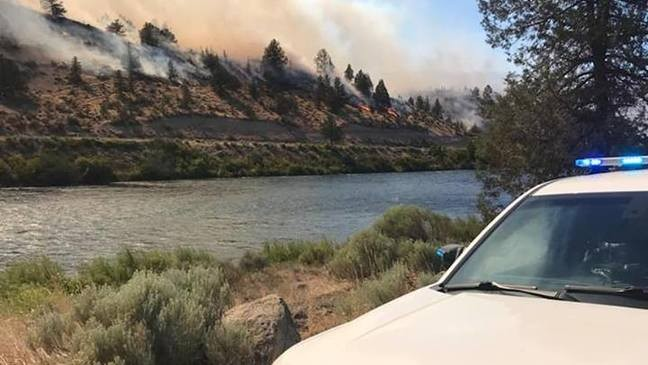 Highway 26 near Warm Springs reopened after wildfire