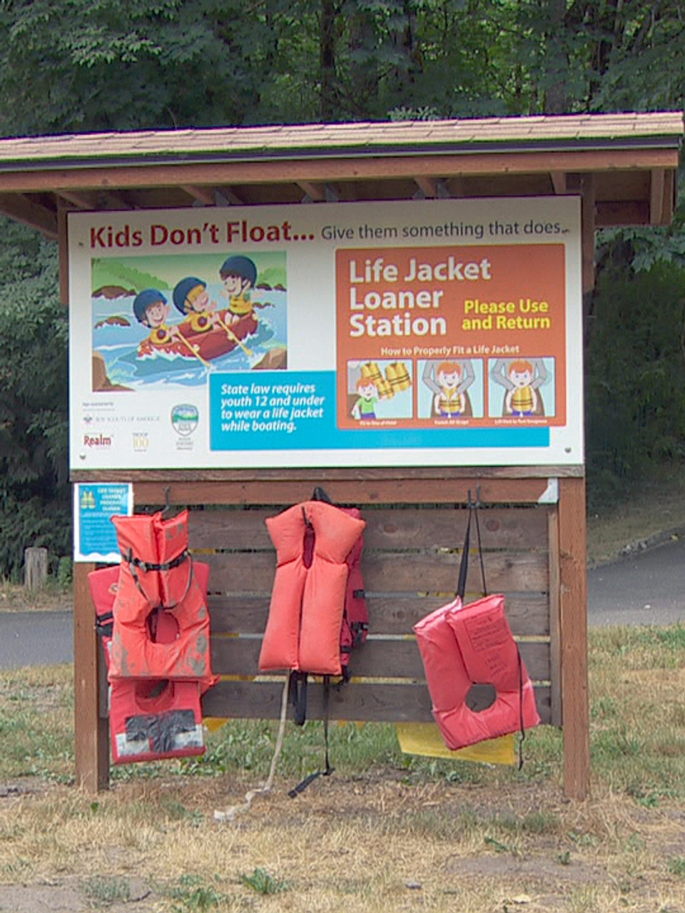 Officials plead for more people to wear life jackets after spate of  drownings | KATU