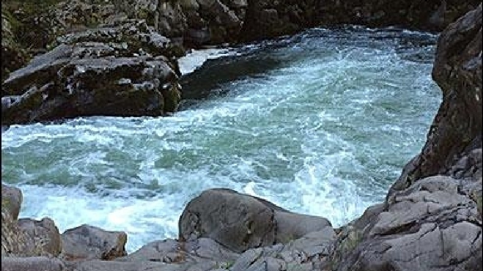 Sheriff 39 s office 2 men drown in separate incidents on for Lewis river fishing report
